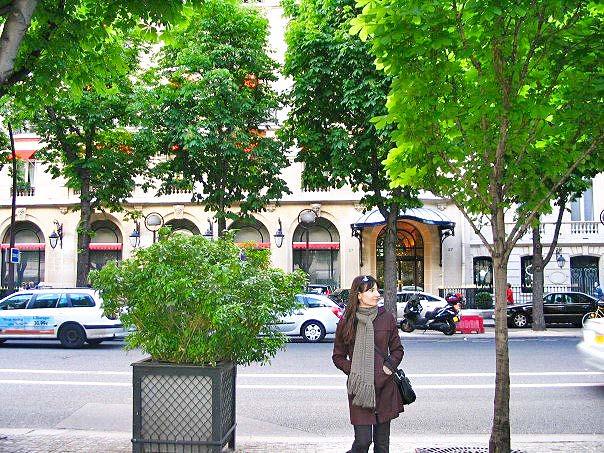 Στην Αvenue de Montaigne