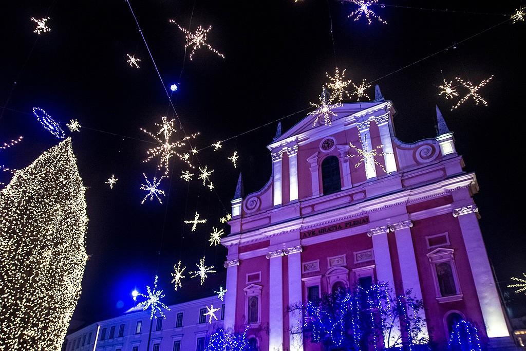 Η Φραγκισκανική Εκκλησία και οι χριστουγεννιάτικοι στολισμοί