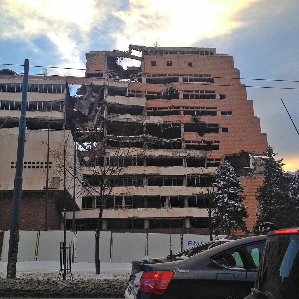 Ένα βομβαρδισμένο κτήριο