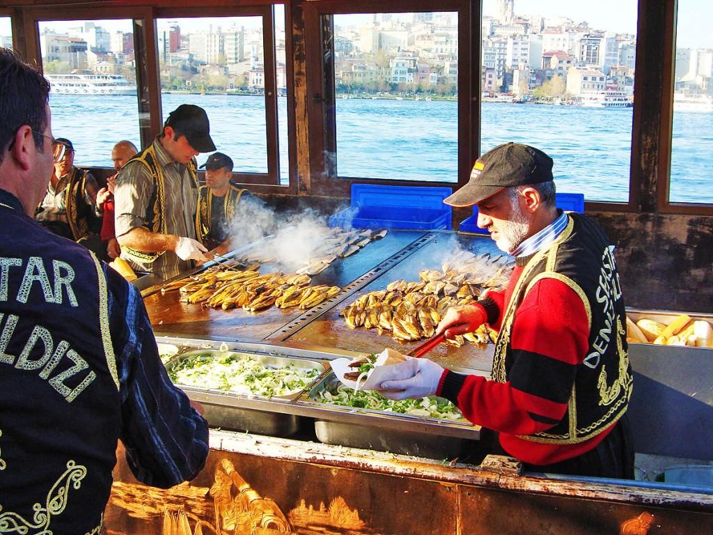 Street food ψαράδικα στον Γαλατά