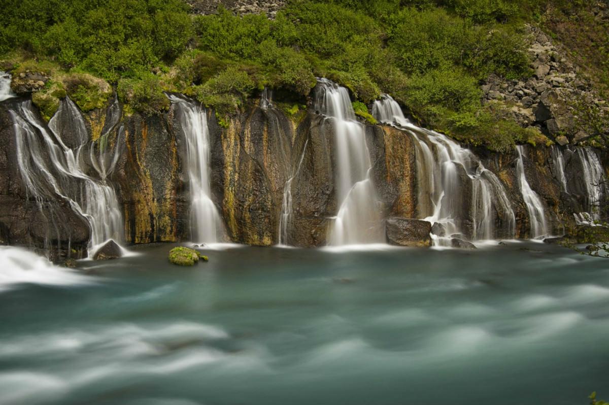 hraunfossar-falls