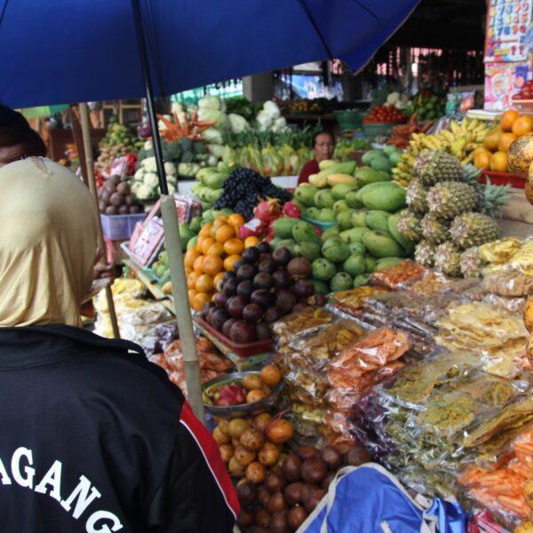Στις Αγορές του Κόσμου