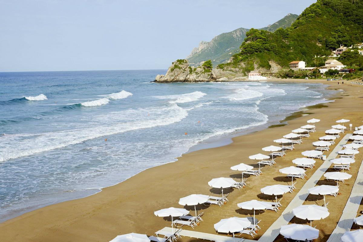 2 Οικογενειακά Ξενοδοχεία στη Χαλκιδική και την Κέρκυρα