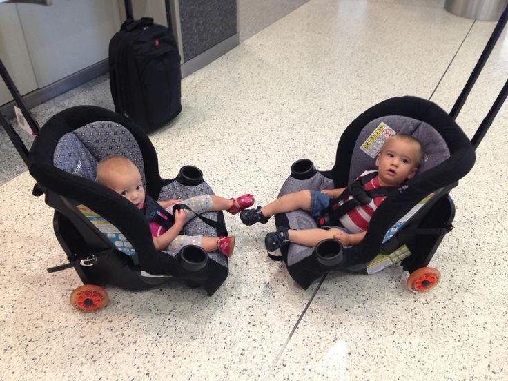 Πτήση με (δίδυμα) μωρά και καθίσματα αυτοκινήτου